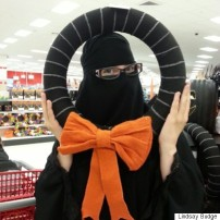 r-niqab-403xfbcredit-1